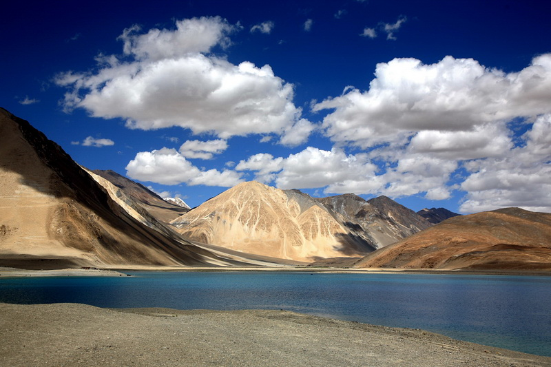 Pangong_lake-in-the-sky_foto--JS_Lee